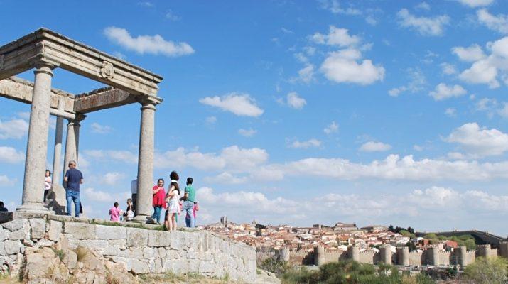 La ville d'Avila vue depuis les Cuatro Postes