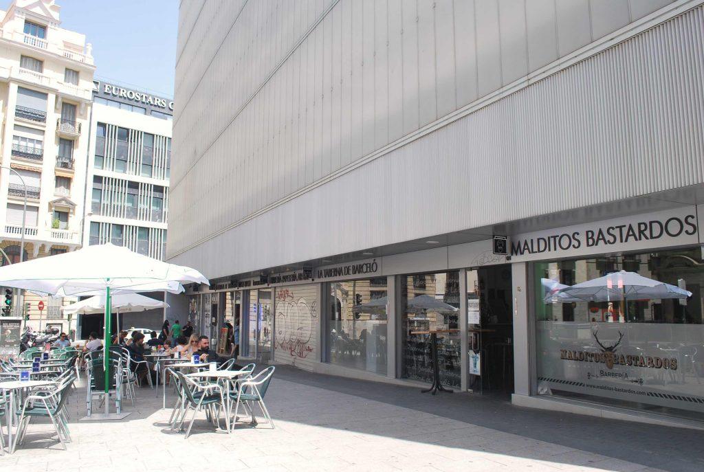 Extérieur du marché Barcelo